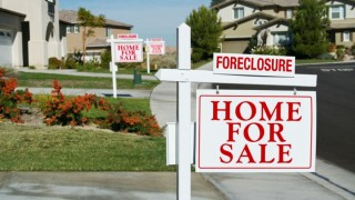 Yard Sign 700x460 320x180 - Get Creative and Attract Prospects with our Real Estate Signage